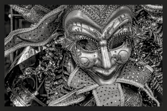 Masquerade mask b&w j