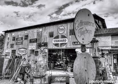 Larry's Antiques & Things - Old Town Cottonwood, AZ